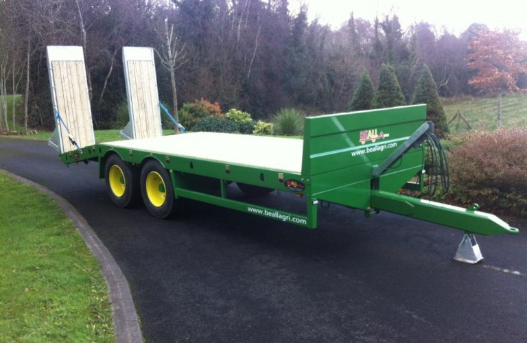 John Deere green Low-loader