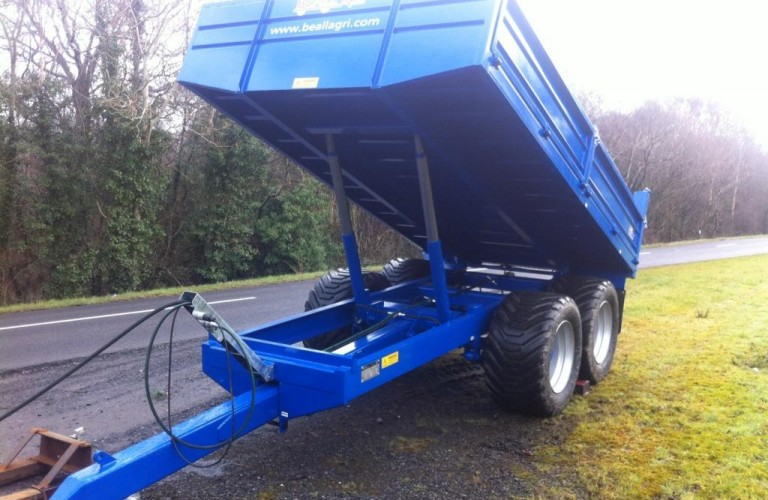 Tipper Trailer at half elevation