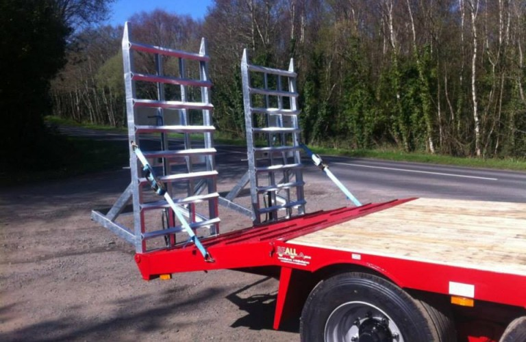 Lightweight ramps do not require hydraulic rams