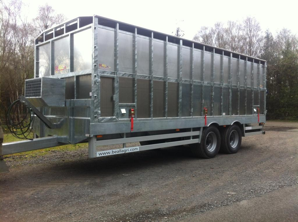 Tractor drawn livestock trailers for sale